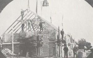 Här ser vi resegillet av Templarhuset - och numera Bion. Året är 1904.